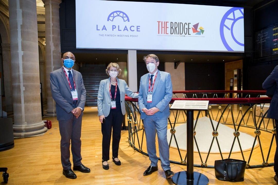 Échange sur le rôle de la culture dans les relations internationales entre Irina Bokova, ancienne directrice générale de l'UNESCO, et les experts du Bridge Tank